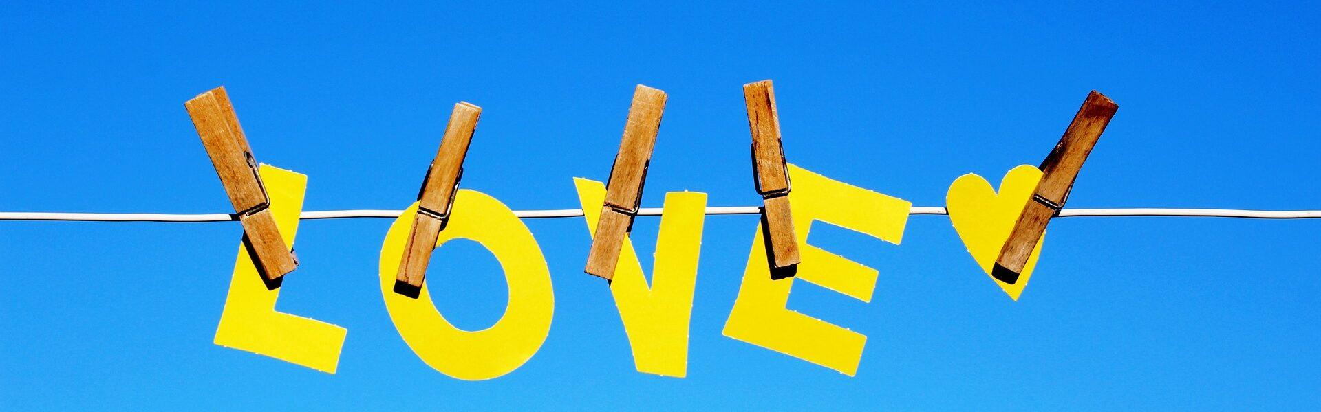 love-3940745_1920